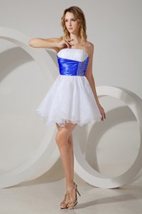 Mini Length Zipper Damas Dress White and In for Prom and Party with Beading