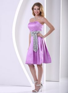 Lavender Strapless Knee-length Prom Gown With Sequins Decorated Sash