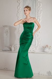 emerald Green Mermaid/Trumpet Strapless Floor-length Prom Dress with Ruching
