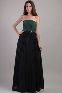 Hunter Green and Black Sheath/Column Strapless Chiffon Prom Dress with Beading