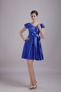 Bowknot Royal Blue Taffeta V-neck Prom Gown Dress with Short Sleeves