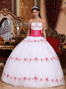 Strapless Appliques White and Pink Quinceanera Dresses