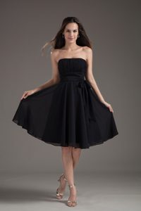 Casual Knee-length Black Ruched Prom Cocktail Dress with Sash