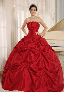 Custom Made 2014 Wine Red Taffeta Quinceanera Dress with Pick-ups
