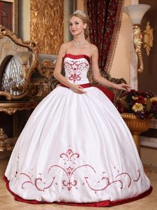 White Embroidery Red Decorations Sweet Sixteen Quinceanera Dress