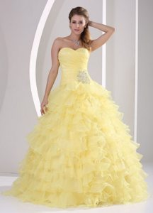 Ruched Beading Sweetheart Appliques Light Yellow Ruffled Quinceanera Gown