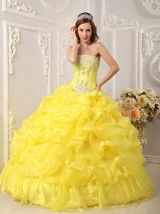 Organza Beading Pick Ups Strapless Appliques Yellow Sweet 16 Dresses