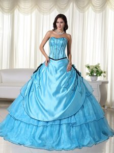 Beading Strapless Appliques Handmade Flowers Layered Sweet 16 Dresses