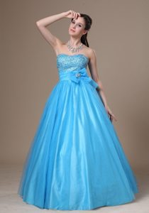 Beading and Bowknot Decorate A-line Tulle and Taffeta Prom Dress