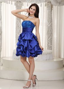 Blue Strapless Knee-length Prom Dress with Sequins and Pick-ups