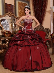 Sweetheart Appliques Pick Ups Wine Red Taffeta Dresses Quinceanera
