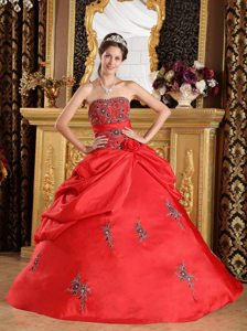 Wholesale Embroidery Red Quinceanera Gown in Isle of Wight