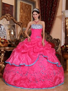 Embroidered Hot Pink Organza Quinceanera Gowns with Pick ups