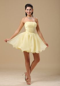Ruched Light Yellow Beading Organza Short Prom Cocktail Dresses
