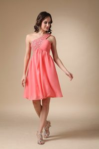 Watermelon Red One Shoulder Knee-length Beading Grad Dresses