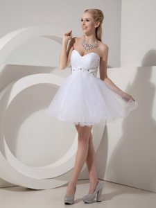 Affordable White Organza Puffy Appliqued Mini Prom Dresses
