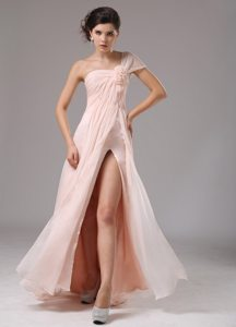 Wholesale Light Pink One Shoulder Flowers Slitted Prom Dress