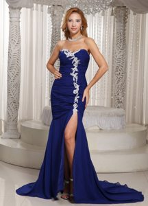 Ruched and Appliqued High Slit Prom Party Dresses in Royal Blue