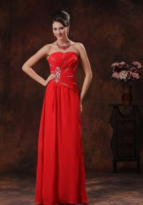Red Strapless Floor-length Prom Celebrity Dress with Rhinestones