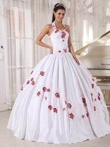 Beautiful White Halter Sixteen Quinceanera Dresses with Embroidery