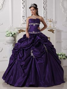 Duque De Caxias Dark Purple Strapless Sweet 16 Dresses Appliques