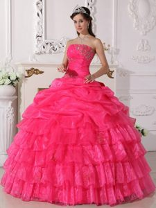 Ruches Appliques Decoration Quinceanera Gowns Strapless with Ruffles
