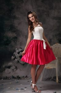 c33fd9d9766 Mini-length White Hot Pink Straps Taffeta Dama Dress with Bow