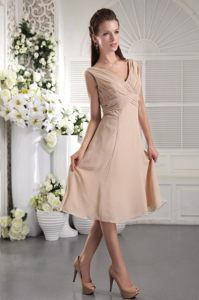 Champagne Pleated Chiffon V-neck Short Quinceanera Dama Dress