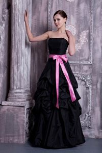 Black A-line Taffeta Strapless Dama Dress with Sash and Pick-up