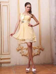 One Shoulder Beading Mini-length Layered Chiffon Yellow Prom Gowns