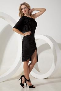 Black one Shoulder Ruched Prom Dress with Single Half Sleeve