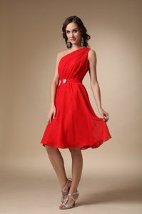 One Shoulder Knee-length Red A-line Prom Dress with Beading