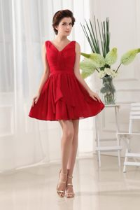 Red V-neck and Ruching For Prom Dress With Mini-length and Chiffon