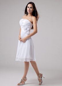 White A-Line Chiffon Knee-length Prom Dress with Hand Made Flowers