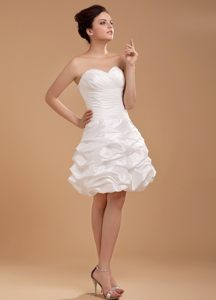 Sweet White Strapless Prom Gown with Sweetheart Knee-length