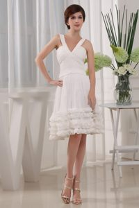 Stylish V-neck A-Line Chiffon Ruffles Knee-length Prom Dress in White