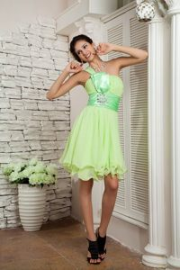 2013 Yellow Green Sashed One Shoulder Short Chiffon Prom Dress