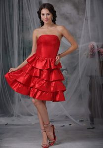 Knee-length Strapless Prom Holiday Dresses with Ruffled Layers in Style