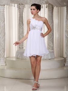Pretty One Shoulder Dresses for Prom Queen in White with Mini-length