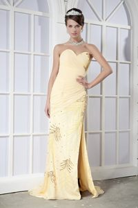 Light Yellow Sweetheart Prom Maxi Dress with High Slit and Beading