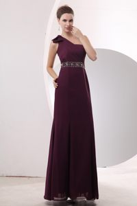 Chiffon Single Shoulder Prom Gown with Beading Sash in Burgundy
