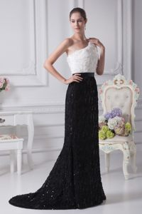 White and Black One Shoulder Floral Embellishment Prom Dresses
