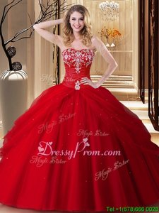 Discount Red Sweetheart Lace Up Embroidery Quinceanera Gowns Sleeveless
